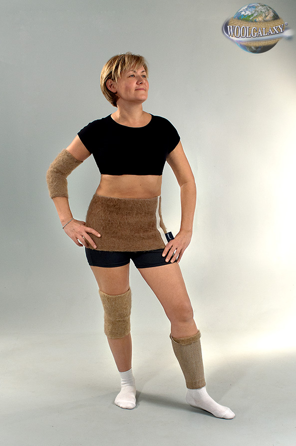 Elastic warming bandage with camel's wool