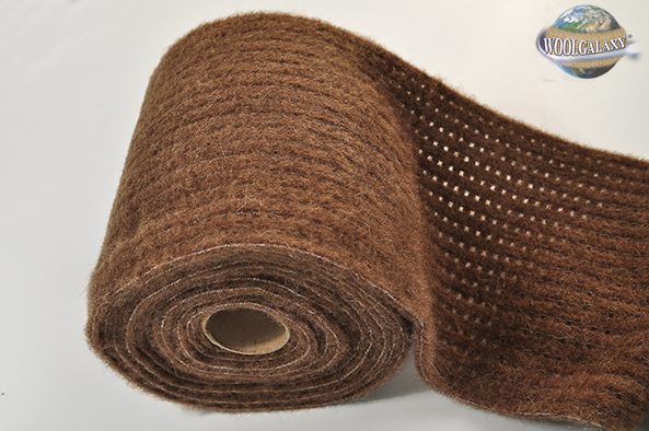 "Elastic perforated fabric containing camel wool, ""FANTASTIC"" Collection"